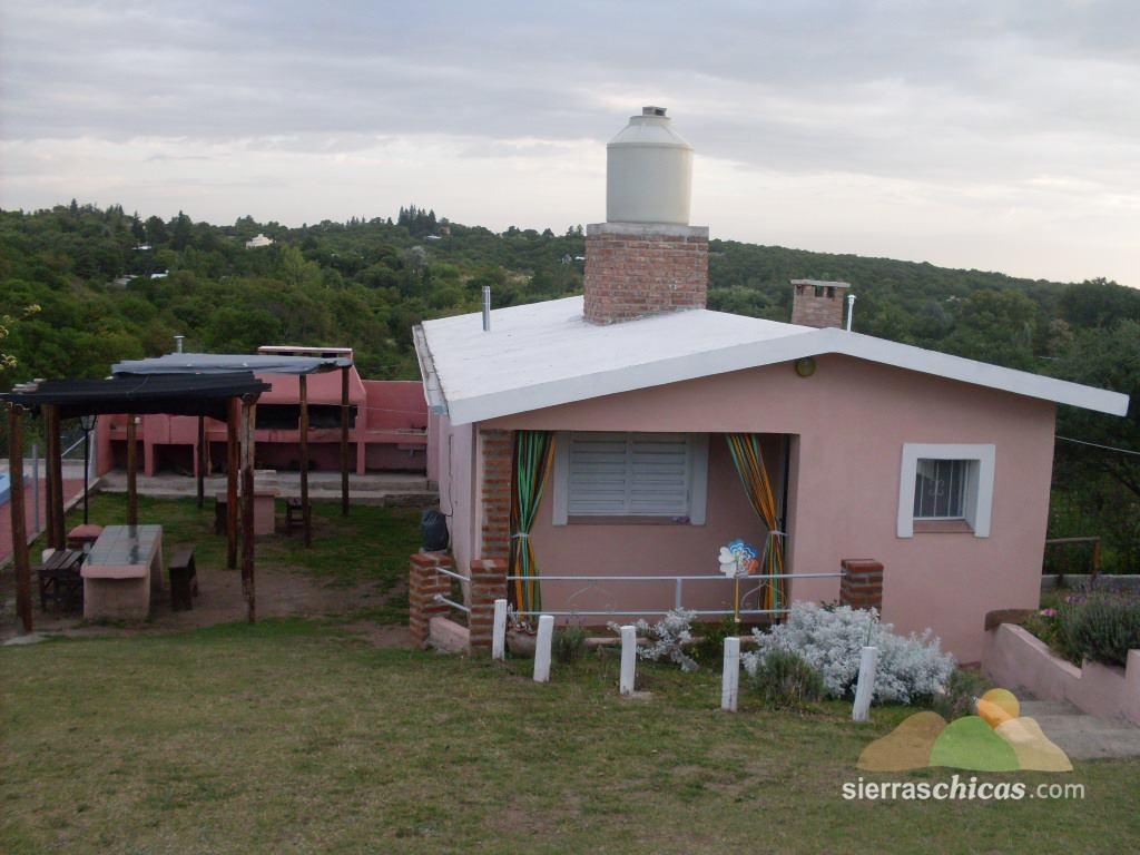 Lunitas de mayjo casa rosada casas de campo en agua de for Casa de chicas